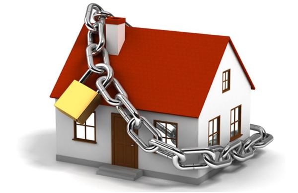 Безопасность жилья во время отъезда